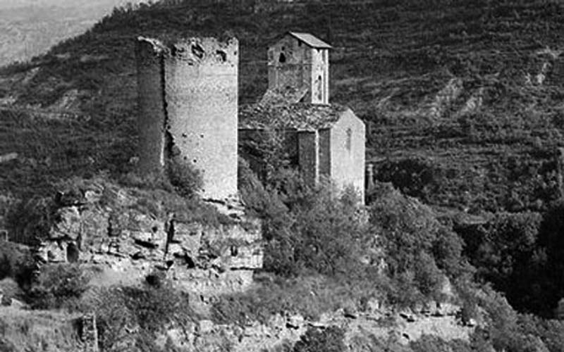 Torre románica que perteneció al castillo medieval de Montañana