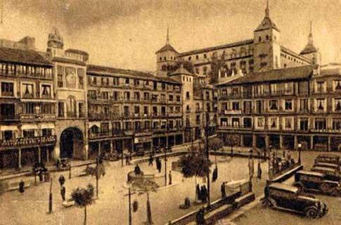 Fotografia antigua de la Plaza de Zocodover en Toledo capital