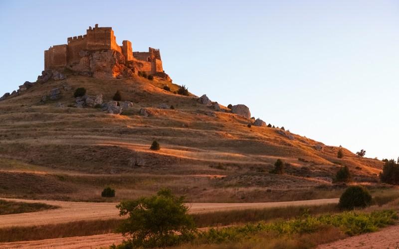 Extremo del alcázar desde la llanura de Gormaz