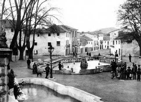 foto antigua Fuente del Rey de Priego de Córdoba
