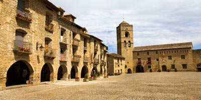 galeria_aragon_huesca_ainsa_plaza-mayor_BI