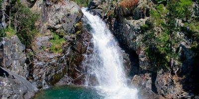 Posets-Maladeta cascades