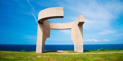 Elogio del Horizonte de Chillida en Gijón