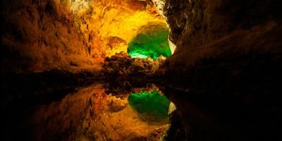 cueva los verdes haria