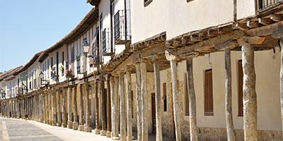 galeria_castilla-leon_palencia_ampudia_plaza-mayor_bi