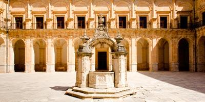 claustro monasterio ucles