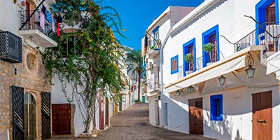 Dónde dormir en Ibiza y qué ver en la Pitiusa