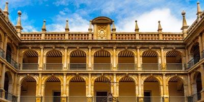 galeria_madrid_alcala-de-henares_claustro_BI
