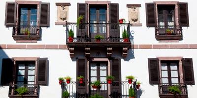 Balcones típicos de la localidad