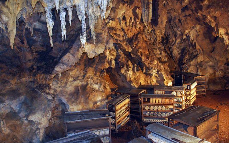 Cueva comunitaria para afinar el Gamonéu