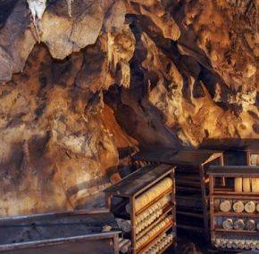 Cuevas del queso asturianas, un idilio gastronómico bajo tierra