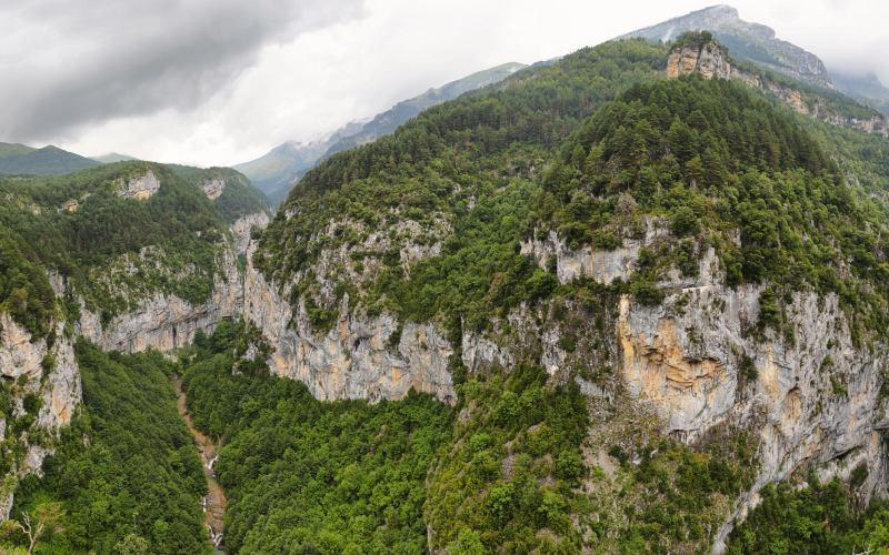 Bosques superiores e inferiores de la Garganta de Escuaín