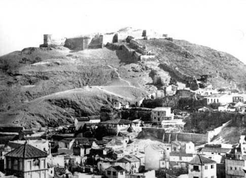 Restos del antiguo Castillo-fortaleza en Gibralfaro de Málaga
