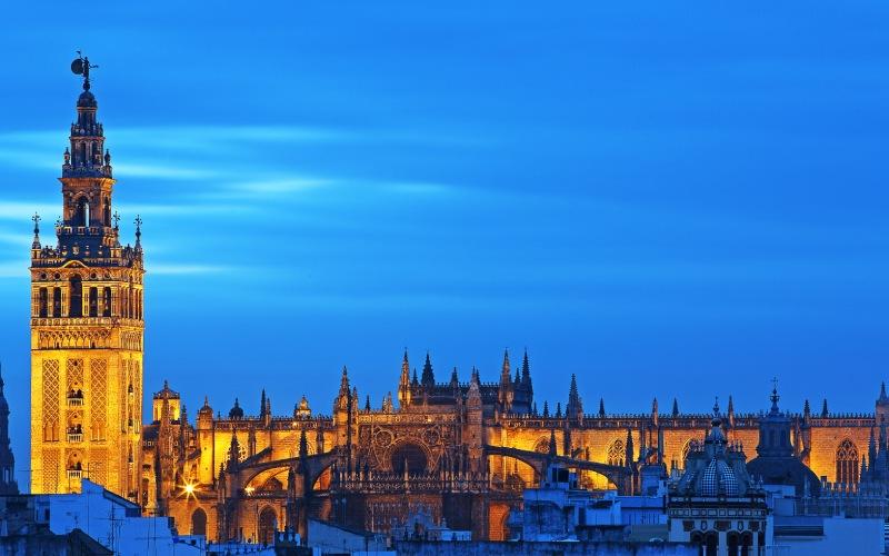 Visión panorámica de La catedral de Sevilla.