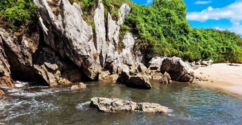 Costa de Asturias Oriental – Paisaje protegido y playa de Gulpiyuri