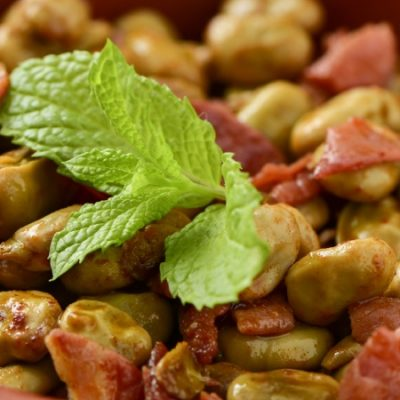 Recetas de habas con jamón, un plato tradicional con esencia granadina