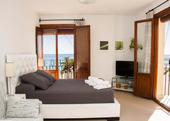 dormir villajoyosa apartamentos happyvila