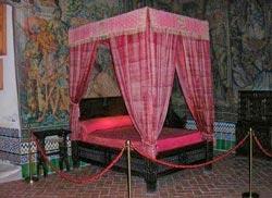 cama real en el alcazar de segovia