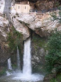 historias-covadonga-cueva