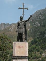 historias-covadonga-monumento-don-pelayo2