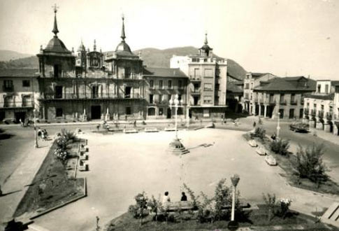 Fotografía antigua de la Plaza de las Eras de Ponferrada
