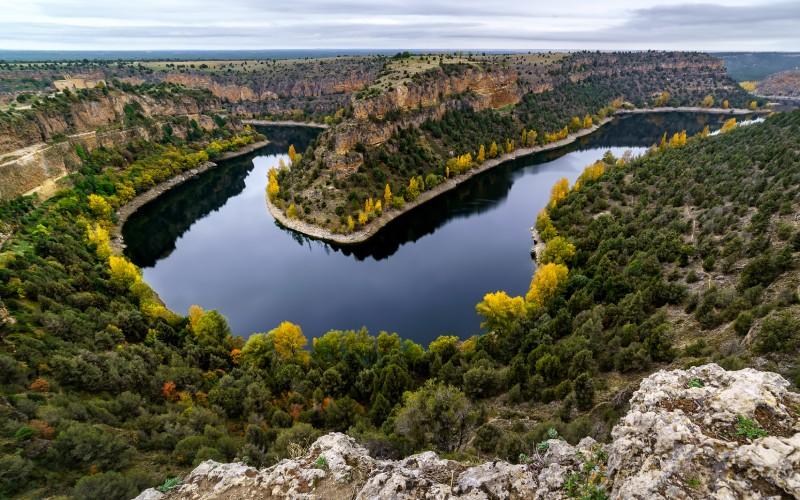 Pocos paisajes impresionan tanto como contemplar las Hoces del Duratón desde su punto más alto