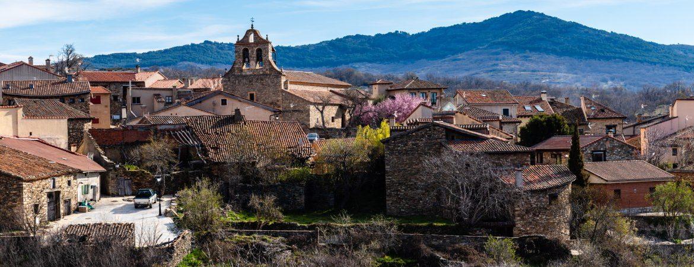 Horcajuelo de la Sierra lleno de arquitectura tradicional