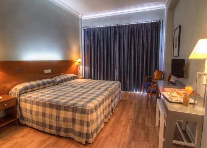 dormir plasencia hotel azar