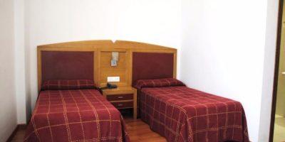 dormir garrovillas alconetar hotel balneario brozas