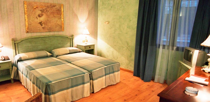 dormir tarazona hotel condes visconti