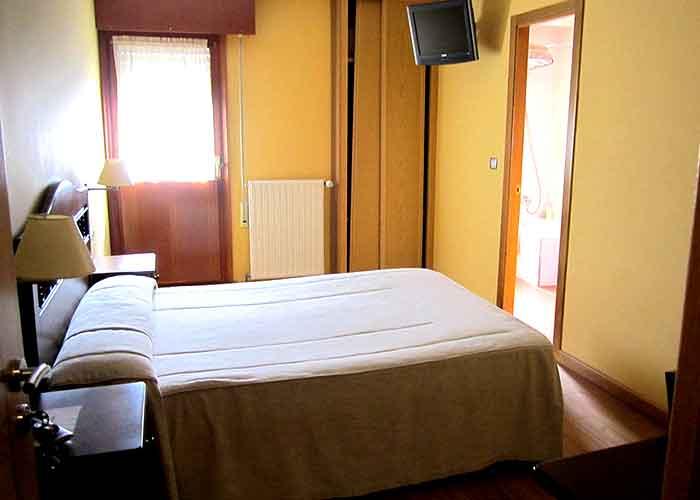 dormir grandas salime hotel barra