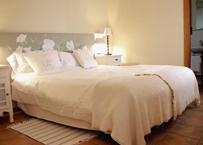 dormir torrecaballeros hotel laureana marcos