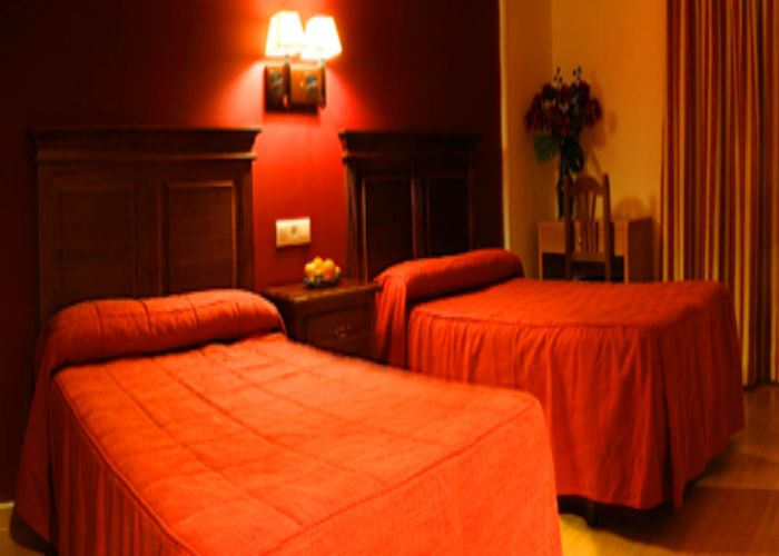 dormir coria hotel restaurante montesol