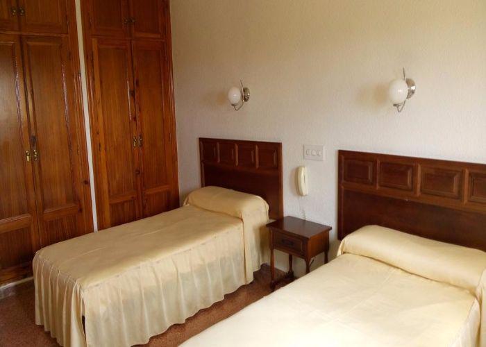 dormir requena hotel monte sol