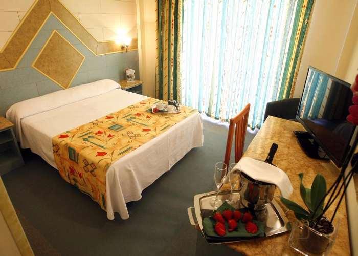 dormir benidorm hotel tropic
