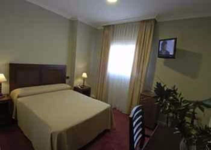 dormir montanchez hotel villa