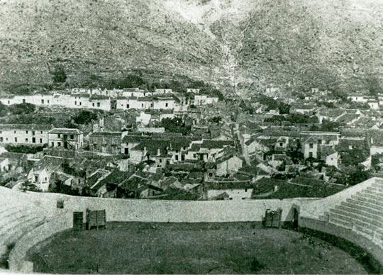 Fotografía antigua de la plaza de toros de Mijas