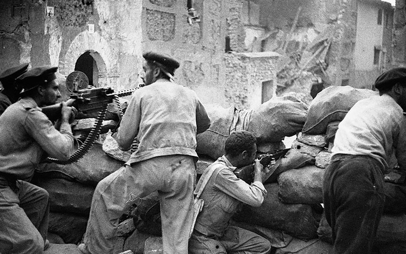 foto antigua Combate en la segunda Batalla de Belchite