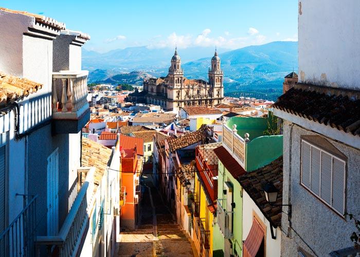 Vista de la localidad y la catedral de Jaén