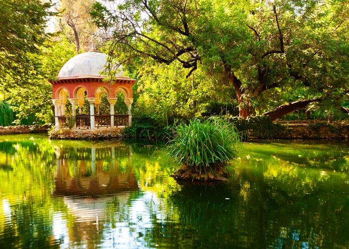 Estanque de la Isleta de los Patos en el Parque de Maria Luisa