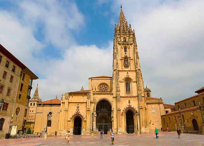 imagenCL_asturias_oviedo_ciudad_bi