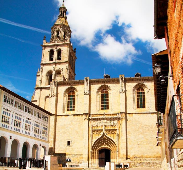 Iglesia de Santa María de la Mediavilla en Medina de Rioseco