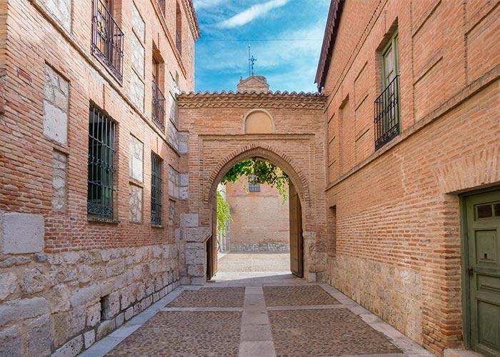 Entrada al Real Monasterio de Santa Clara en Tordesillas