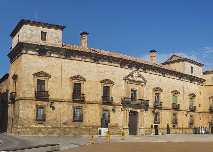 palacio condes altamira