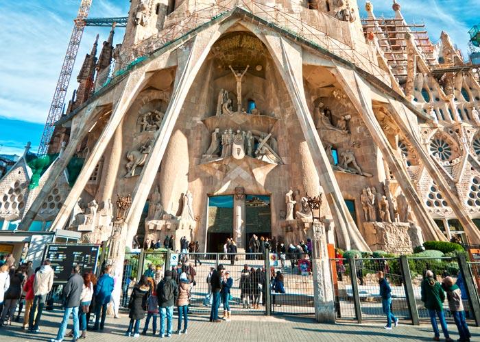 Visiter La Sagrada Familia Et Le Parc Guell 224 Barcelone