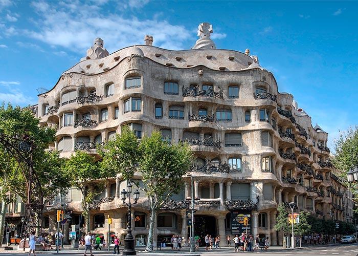 imagenCL_catalunia_barcelona_eixamble_casa-mila_bi