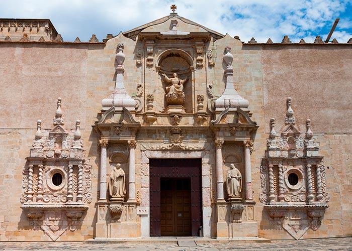fachada iglesia poblet