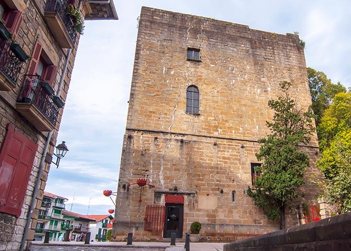 torre carlos V fuenterrabia