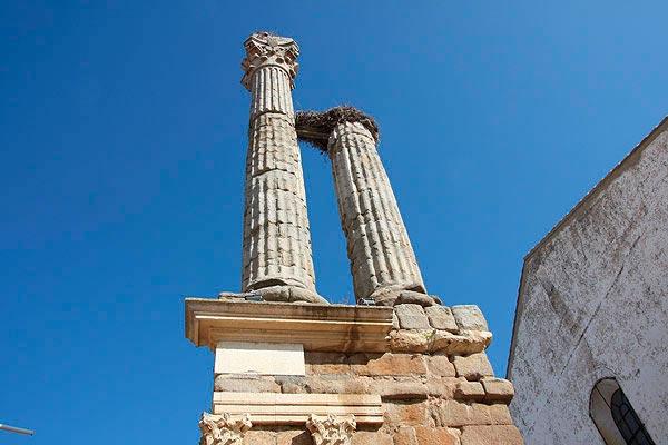 Distylo o Torre de Trajano en Zalamea de la Serena