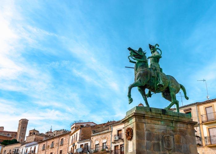 Monumento a Francisco Pizarro en Trujillo